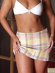 Amateur teen girl posing in sexy lingerie