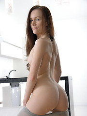 Girl takes off her tight leggings for hard anal penetration