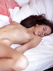 Sexy girl Altea shows her nice pussy