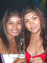 Thai disco girl picked up by stranger for annoymous fucking