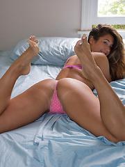 Eva Lovia Wakey Wakey