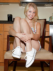 Issy Mai Chair Acrobat
