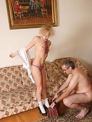 Young cheerleader taste her teacher's hot cum