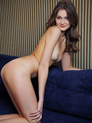 Elegant, sultry, and ultra sexy Linessa debuts in Metart