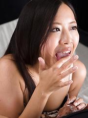 Fukatsu Miyuki makes sensual handjob